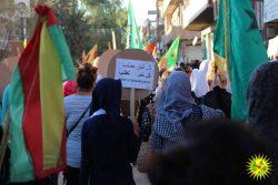 Young women demonstrate in Dirbesiye